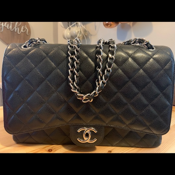 CHANEL Handbags - Classic Chanel Handbag - large
